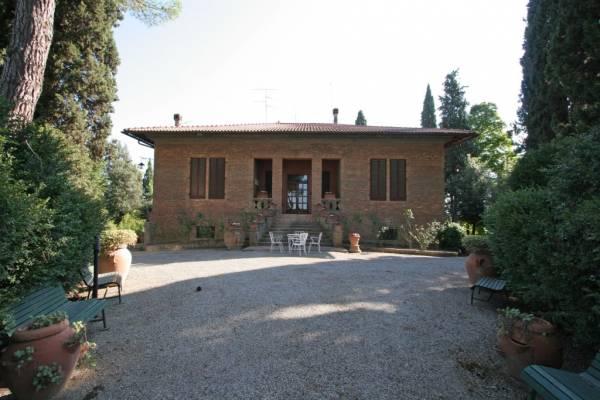 Villa with swimming pool san gimignano