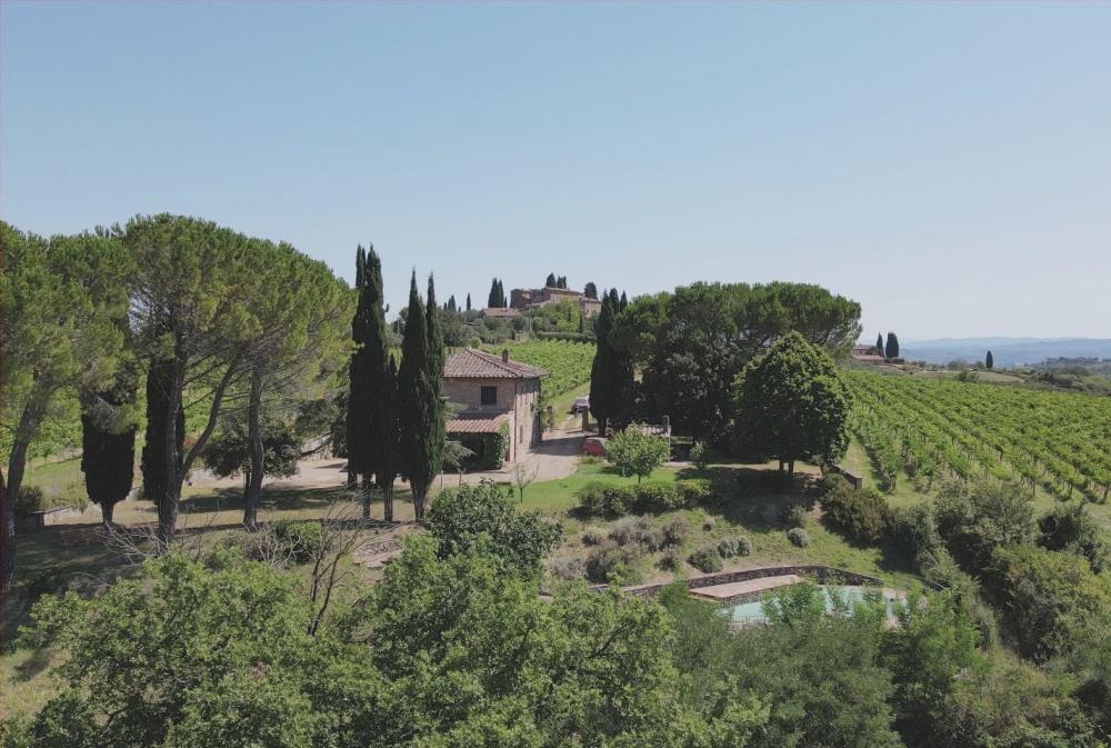 farmhouse san gimignano drone