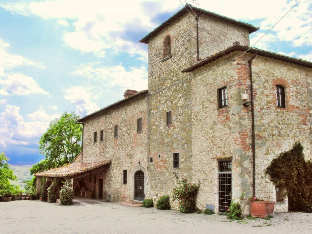 For sale 6 bed farmhouse in san casciano val di pesa for Real estate in florence italy