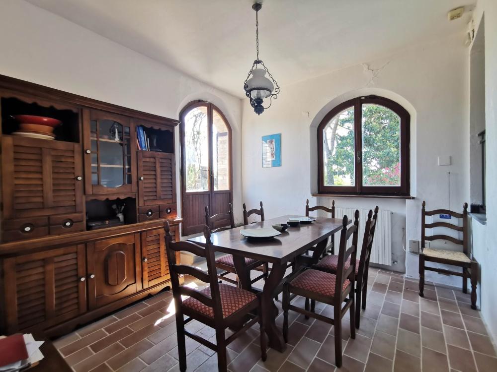 farmhouse san gimignano dining room