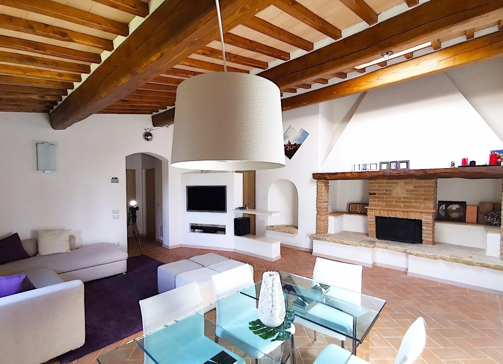 Apartment with shared swimming pool, San Gimignano
