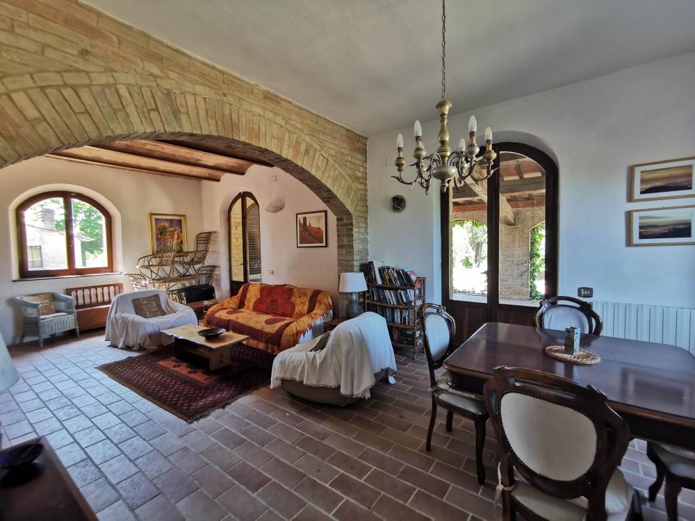 farmhouse san gimignano living room